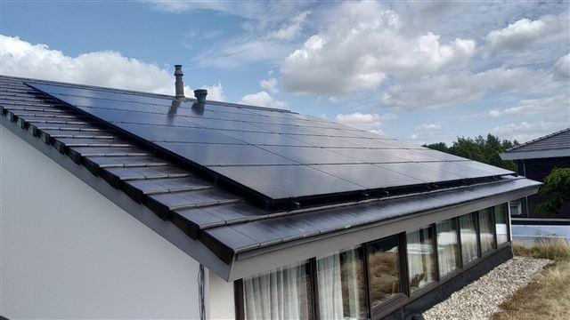 LG Neon zwarte zonnepanelen Heerenveen