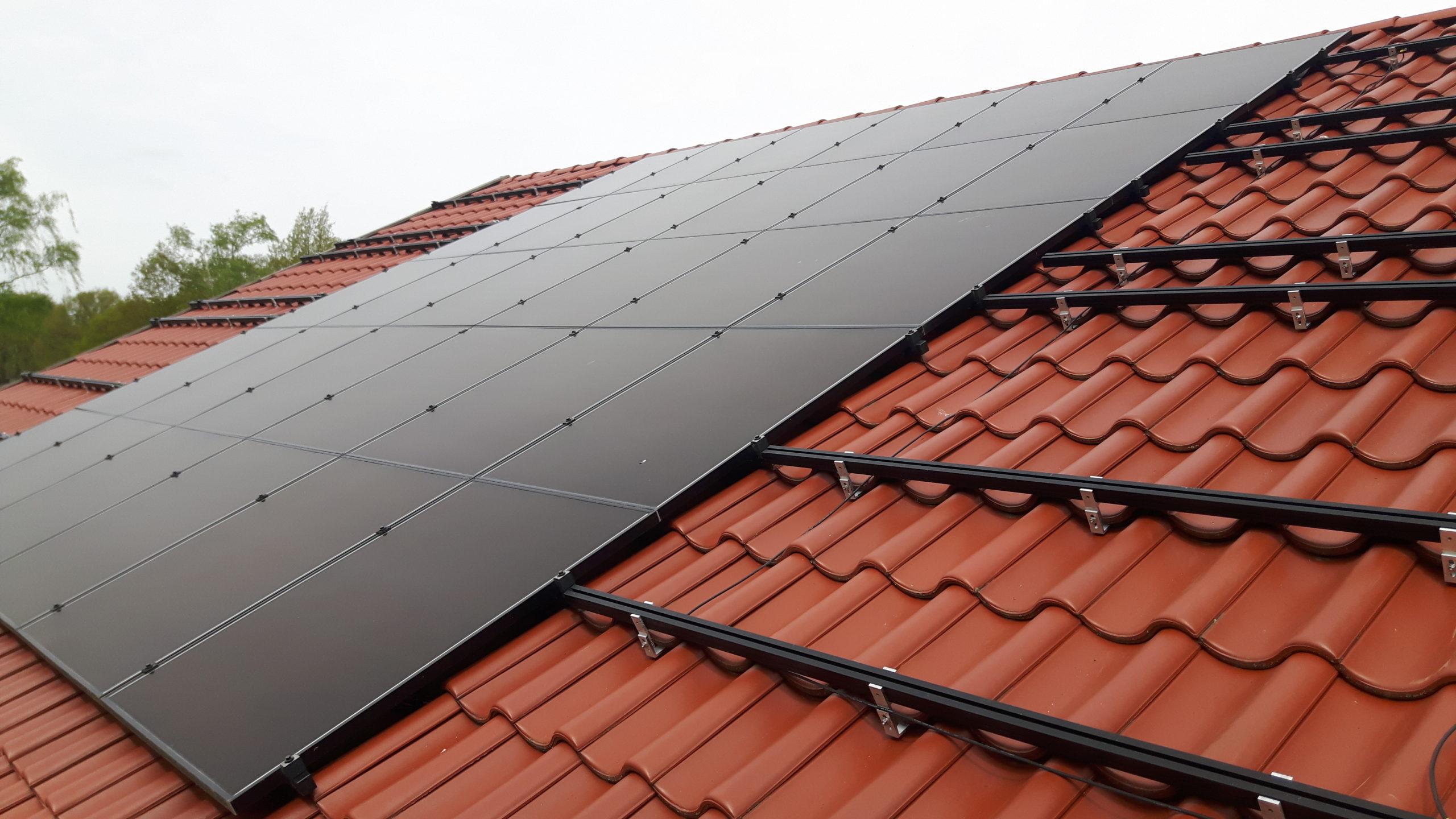 Solar Frontier Zwarte zonnepanelen Tiendeveen