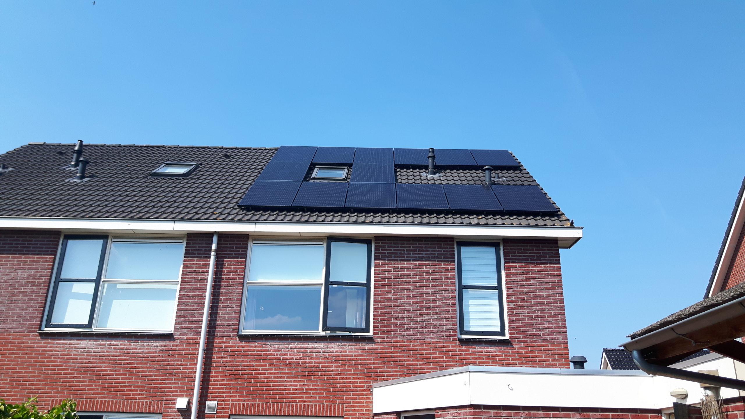 Solarwatt glas glas zonnepanelen Nieuwlande