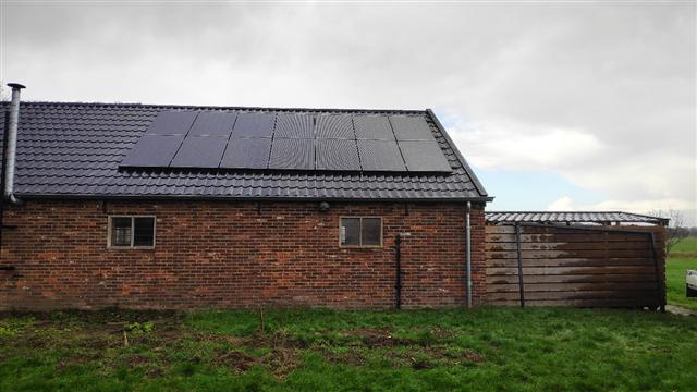Solarwatt glas glas zonnepanelen Wachtum op dakpanplaten