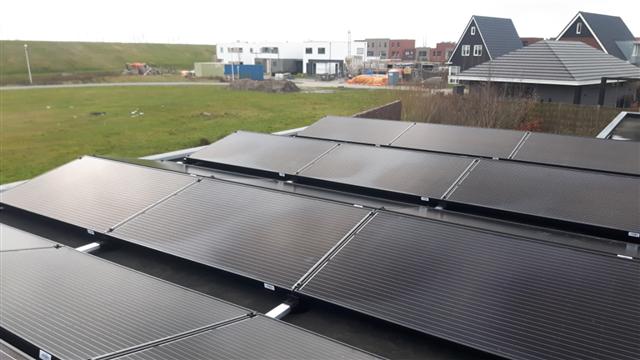 IBC zonnepanelen Hoogeveen flatfix fusion