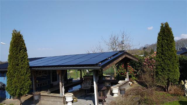 IBC zonnepanelen Hollandscheveld op dakpanplaten