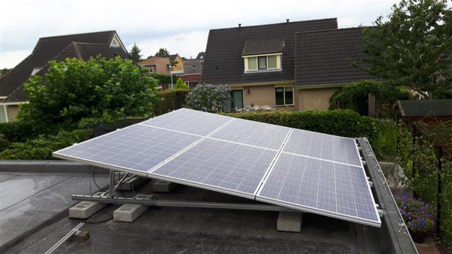 IBC zonnepanelen valk schans Hoogeveen