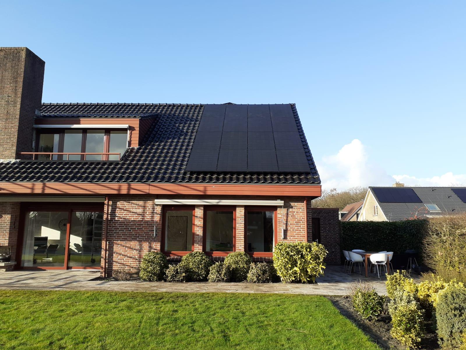 LG Neon zonnepanelen Hoogeveen