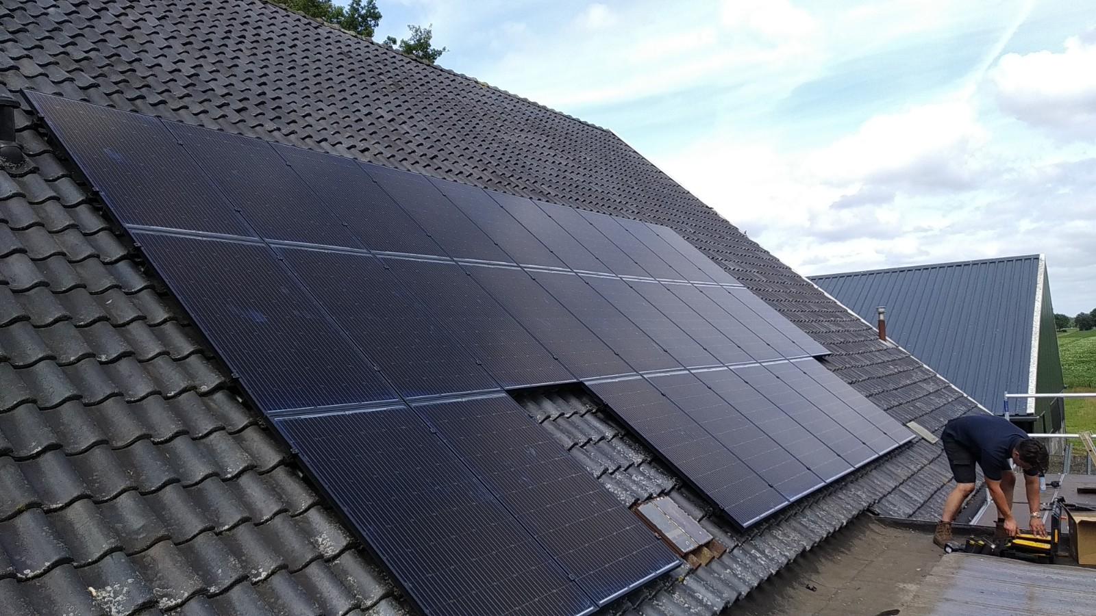 SolarWatt glas-glas zonnepanelen Oosterhesselen