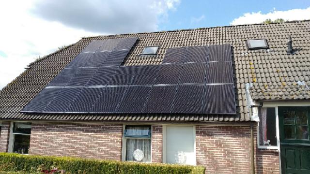 SolarWatt glas-glas zonnepanelen Hollandscheveld
