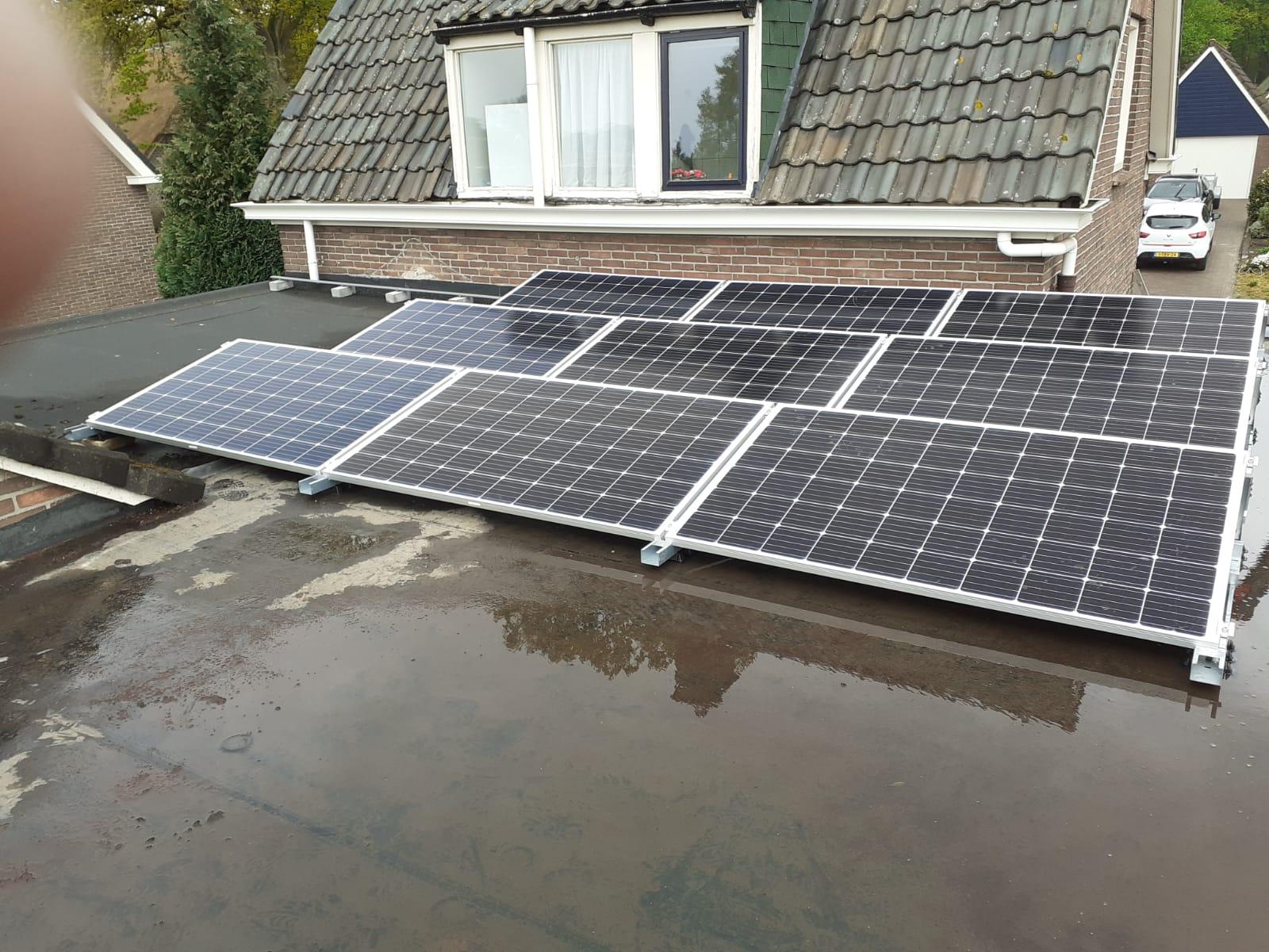 SolarStell montage Jinko zonnepanelen en SMA omvormer Westerbork