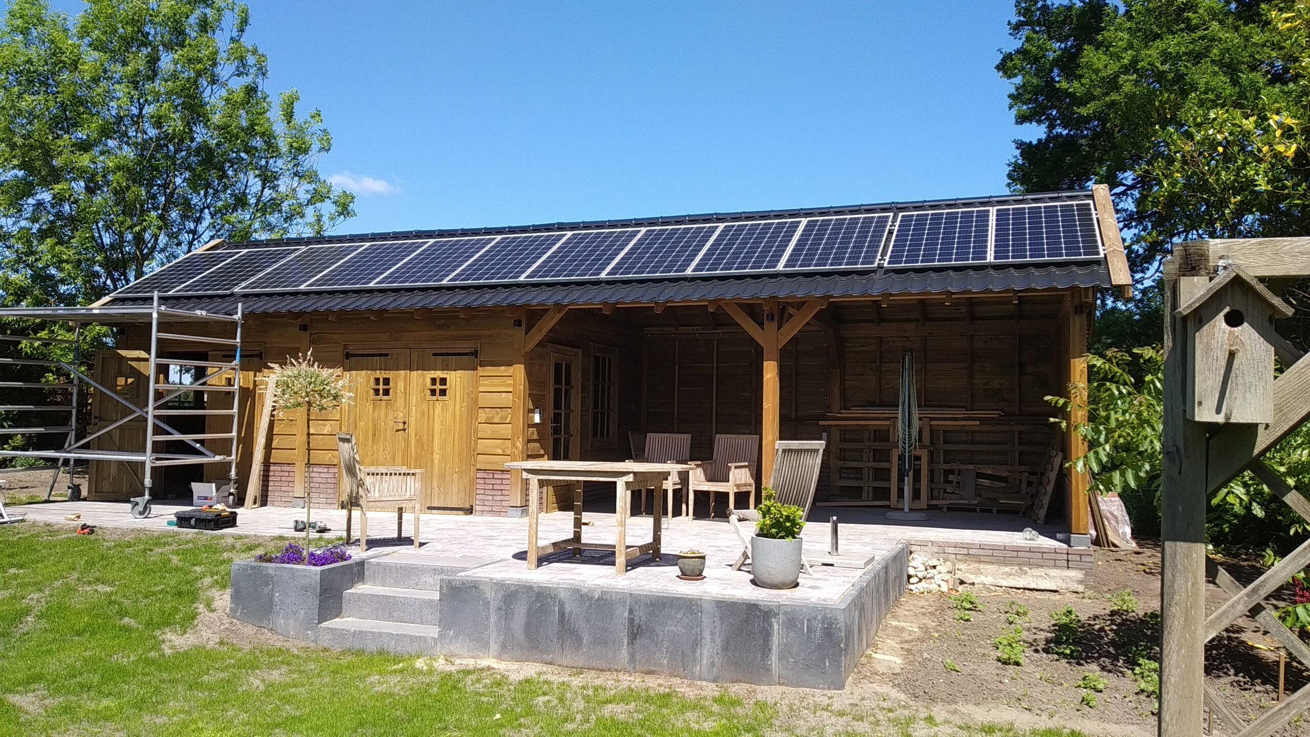 Jinko 320 Zonnepanelen dakpanplaten dak Noordscheschut Drenthe