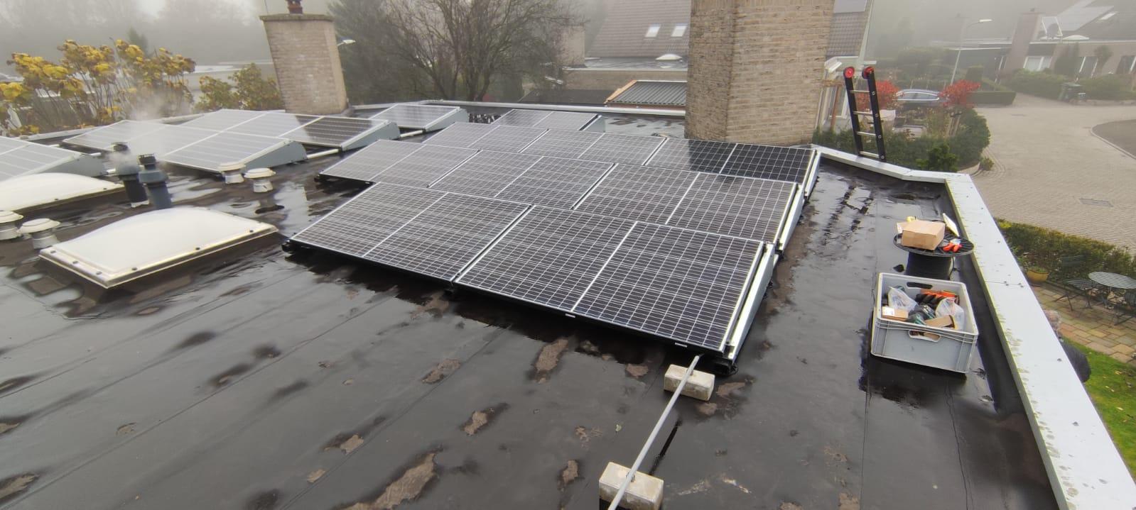 IBC Monosol 330 zonnepanelen Hoogeveen