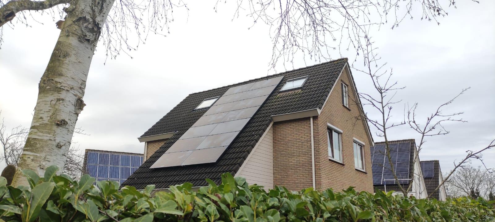 SolarWatt glas glas black zonnepanelen Steenwijk
