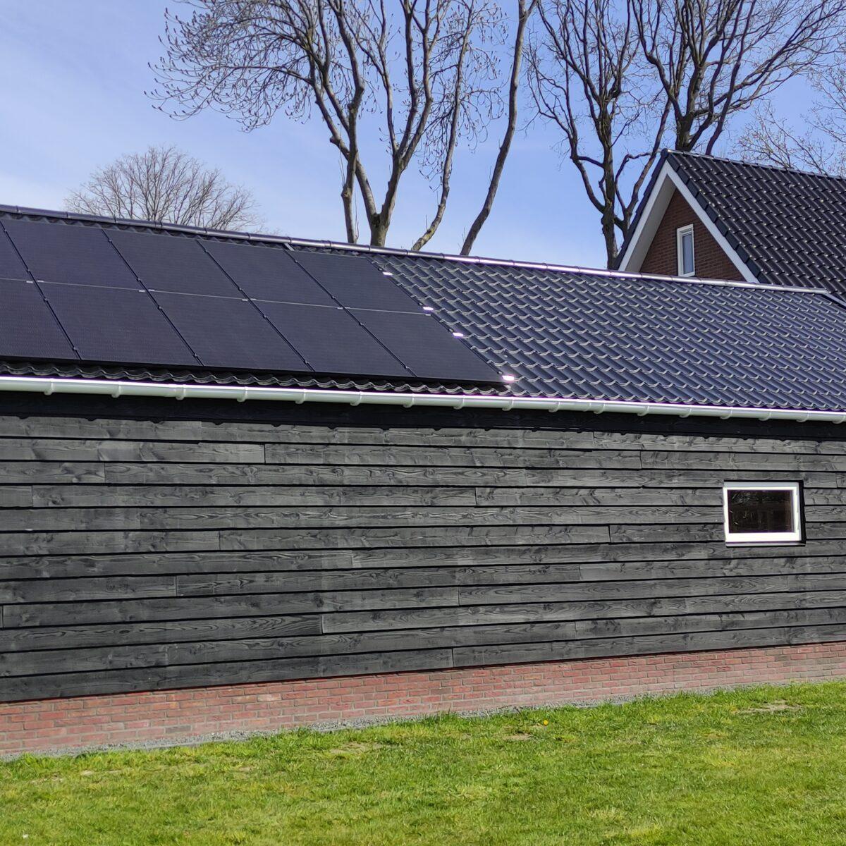 22 stuks oost-west JA Solar zonnepanelen Noordscheschut Drenthe